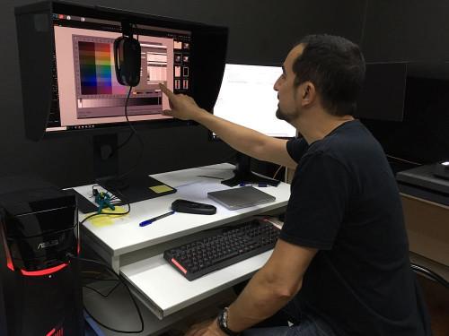 Revisando la calibración por hardware del monitor BenQ.